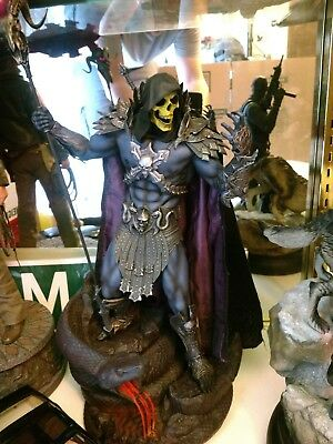 sideshow skeletor statue exclusive version