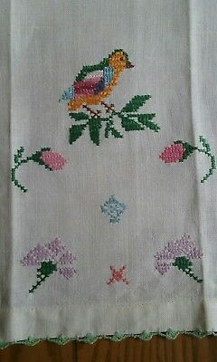 """Beautiful Vintage 20"""" Linen Guest Or Tea Towel ~ Hand Embroidered Birds Flowers"""
