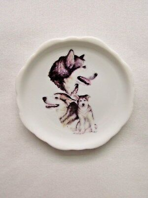 Alaskan Malamute Dog 3 View Porcelain White Plate 2 1/2 In Magnet on Back