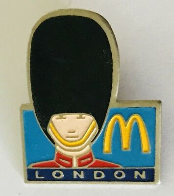 London McDonalds Queens Guard Beefeater England Pin Badge Vintage Retro (F7)