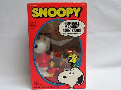 Viintage Peanuts Snoopy gumball machine coin bank by Superior