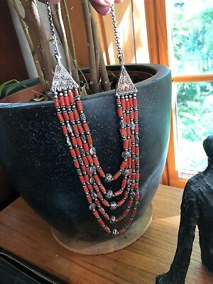 Gorgeous Authentic Antique / Vintage Coral necklace vintage Nepal silver