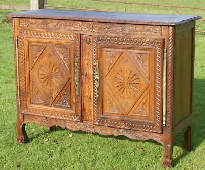 SUPERB 19th CENTURY SOLID WALNUT FRENCH BRETON BUFFET / SIDEBOARD