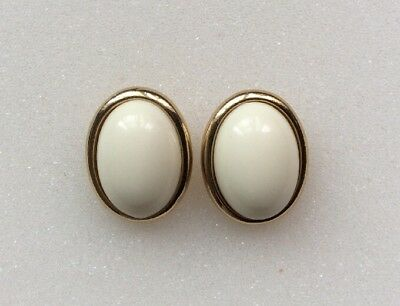 Vintage Signed Trifari Gold Tone FAUX Oval Ivory Pearl Pierced Earings