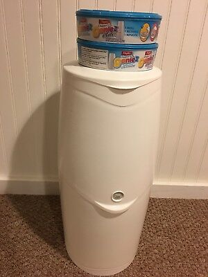 Playtex Diaper Genie II Elite Diaper, Very Gently Used come with 2 refills,
