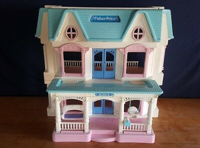 Vintage Fisher Price Dream Dollhouse Doll House Loving Family 6364