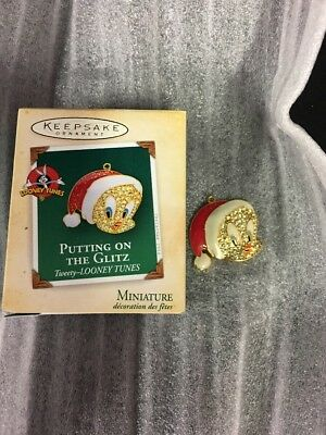 Hallmark Keepsake Christmas Ornament Tweety Bird Looney Tunes Miniature