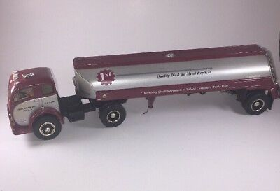 First Gear 1953 White 3000 Pre-production Tanker Model #19-0010