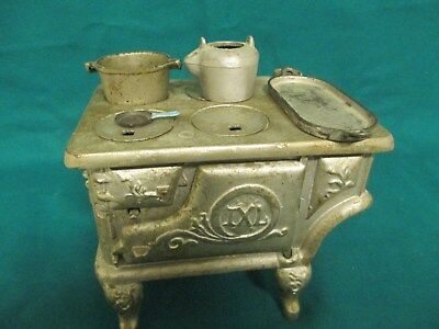 Vintage toy cast iron wood stove maybe salesman sample