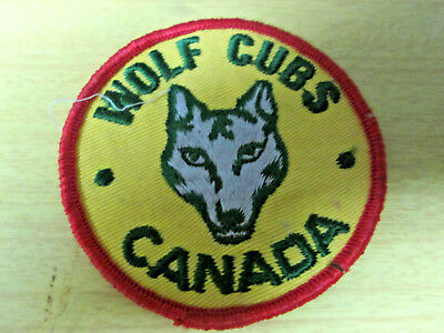 Vintage Wolf Cubs Canada Scouts Sew On Patch !