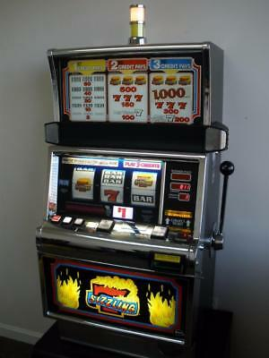 IGT SIZZLING 7s S2000 SLOT MACHINE (COINLESS - TICKET PRINTER)