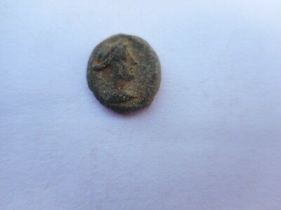 Ancient-Greek-bronze-coin-ptolemy-Cleopatra-VII-51-30-.1.5 GR .10MM