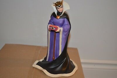 Royal Doulton Disney Classics Snow White Queen Bring Back Her Heart Figurine