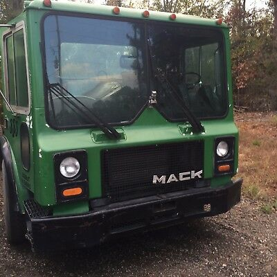 1992 Mack - 6 Cylinder - Automatic - Cab And Chassis - $7000