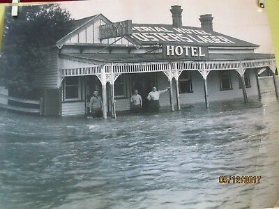 Out Of My Collection-Old  Photo Imperial Hotel Under Flood 1930S -Bairnsdale