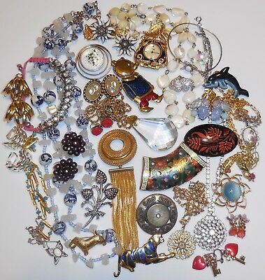 Job LOT Of VINTAGE & RETRO JEWELLERY Brooches Necklaces Earrings Enamel ++