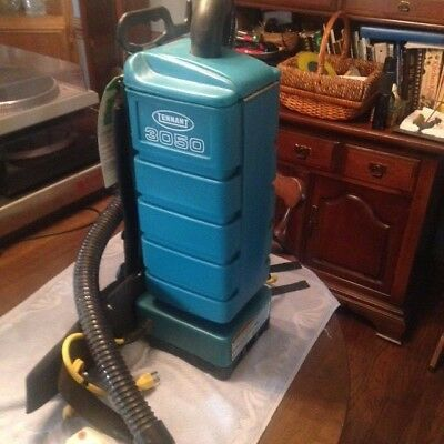 Tennant 3050 Backpack Backpac Back Pac Vacuum Vac with Hose Model 607751