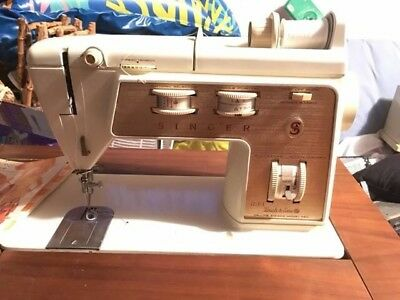 Singer Sewing Machine Golden Touch & Sew Model 750 And Many Accessories