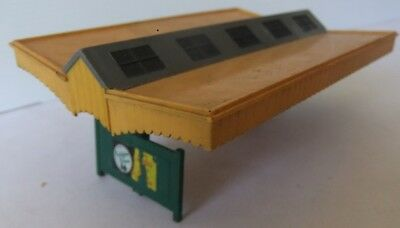 TRI-ANG HORNBY R73 Island Platform Canopy - Early style                   [7843]