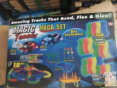 MAGIC TRACKS 360 PCS Rennbahn leuchtet RACE CAR Bend Flex Glühen