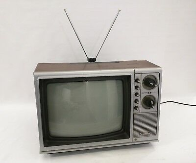 PANASONIC QUINTRIX 2 Vintage Television July 1976 CT316 Wood Veneer Color TV 14""
