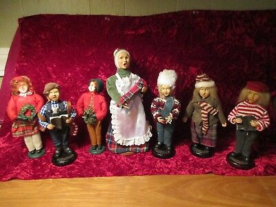 Lot Of 7 Assorted BYERS CHOICE ? Christmas Carolers Figurines