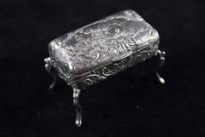 ANTIQUE EARLY 20th Century GERMAN SILVER TRINKET BOX ON CABROLE LEGS 30.4g