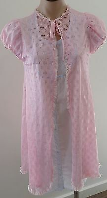 Vintage 60s CANDY PINK Nylon LACE Short Sleeve Lingerie Dressing Robe size S