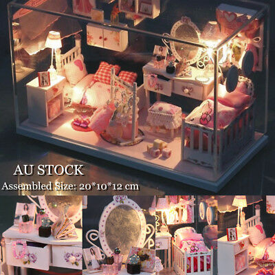 DIY Wooden Toy Doll House Miniature Kit Creative Dollhouse with Light  Xmas Gift