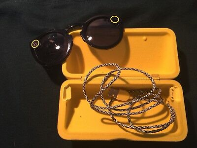 Snapchat Black Spectacles Glasses Gadget Inc. Case and Charger
