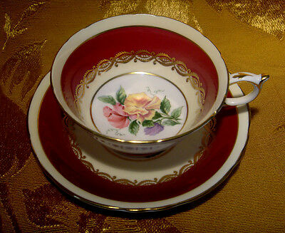 PARAGON TEA CUP & SAUCER SWEET PEA CENTER in BURGUNDY & GOLD A3262