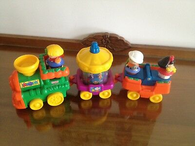 fisher price little people Train With Sounds & 3 Little People