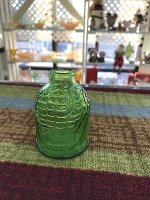 Vintage  mini Wheaton Glass Green OLD DOCS OLD FASHIONED MAIZE CONCOCTION JUG