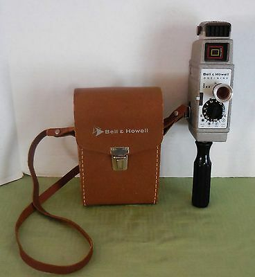 Vintage Bell & Howell 19 Movie 8MM Camera w/Leather Case & Sunometer