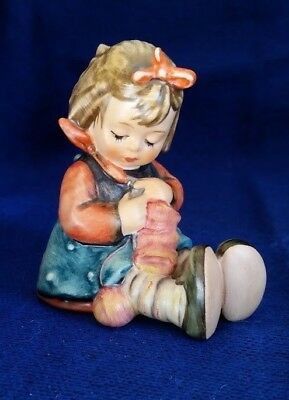 "VINTAGE Goebel Hummel Figurine #432 ""KNIT ONE, PURL ONE"" 3"" Tall TMK6 Great Cond"