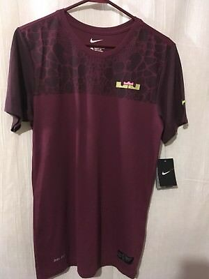 The Nike Tee Mens Small Short Sleeve Dri Fit Polyester Wine 171201
