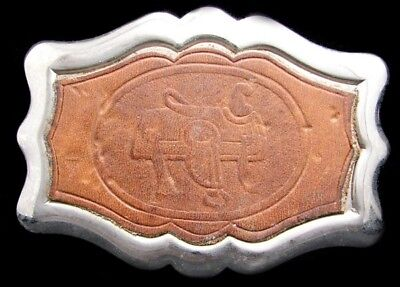 JK06106 VINTAGE 1970s **SADDLE** EMBOSSED LEATHER SILVERTONE WESTERN BELT BUCKLE