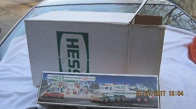Full Case Of 6 1991 Hess Gasoline Trucks All New In Boxes And Master Case