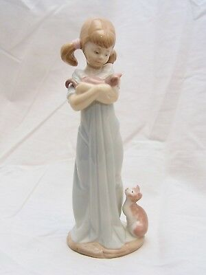 Lladró 'Don't Forget Me!' Figurine #5743- 1990 Issue, Pre-Owned