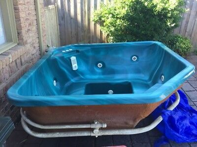6 person outdoor spa with filter and gas heater and air blower