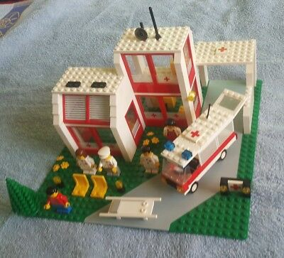 LEGO 6380 Emergency Treatment Center in nice cond 12v vintage lego classic town