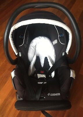 Maxi Cosi Mico AP Including an extra base for second car