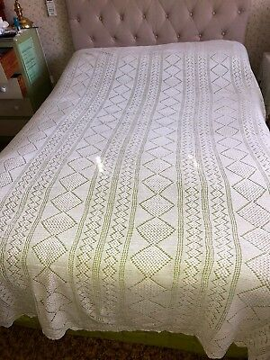 Beautiful Vintage or Antique Hand-Crocheted WHITE LACE BEDSPREAD Double Queen