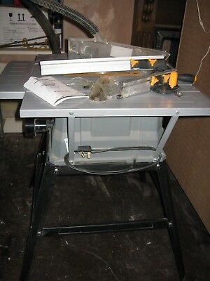 Titan 1500w Table Saw and Woodstar DC04 Vacuum/Hoover