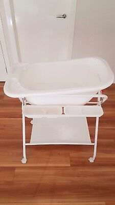 Baby Bath with Stand, Wheels and Towel Rail
