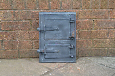 26 x 36.2 cm old cast iron fire /bread oven door/doors /flue/range/pizza