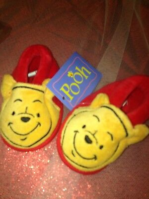 Disney store winnie the pooh baby slippers - 6 mths - new