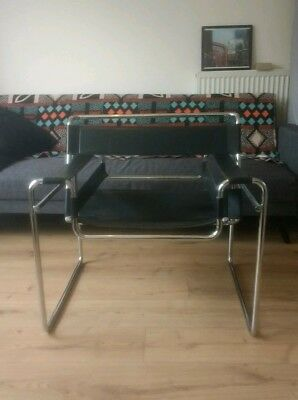Bauhaus style armchair in Chrome and Black Leather