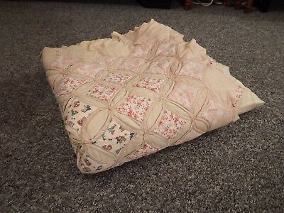 Beautiful antique hand stitched CATHEDRAL WINDOW double quilt/blanket, 210x200cm