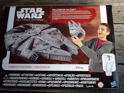 Star Wars The Force Awakens Hasbro -B3075- Disney Millennium Falcon Neu+ Ovp!